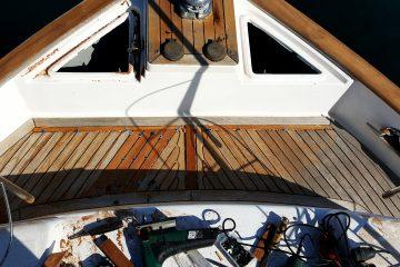 Ugradnja i održavanje Tikove palube
